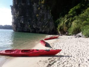 croisière baie d'halong bai tu long kayak
