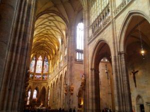 intérieur cathédrale saint guy Prague