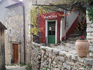Brantes, faiencerie, Provence