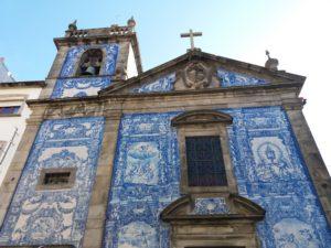 chapelle das almas porto, église bleue porto, église en azulejos portugal