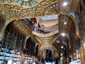 livraria de lello porto portugal, librairue harry potter portugal