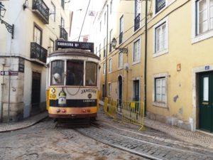vieux tramway Lisbonne