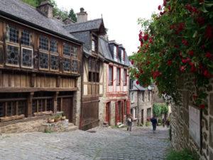 Cité médiévale de Dinan, maisons à pans de bois