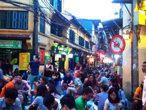 Ta Hien Street, bia hoi, nightlife Hanoi, Vietnam