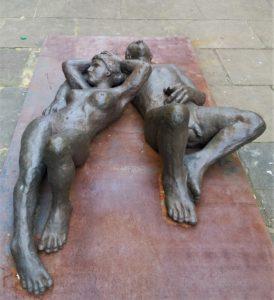 sculpture couple nu Saint-Sébastien Espagne